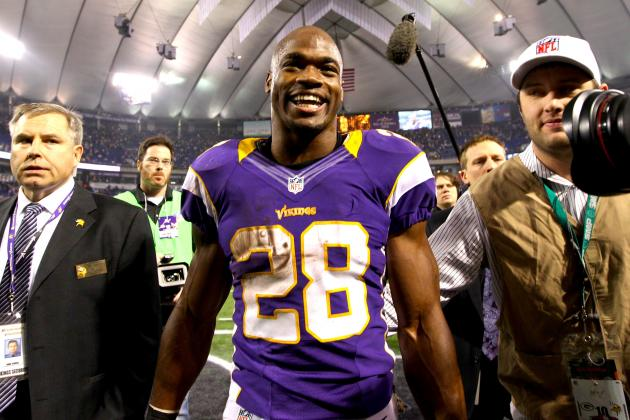 Twitter Reacts to Adrian Peterson Coming Up Just Short of Rushing Record