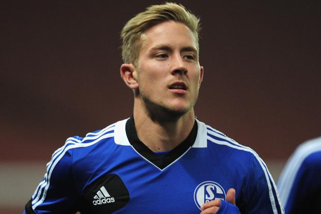 Tottenham Join Race for Schalke Midfielder Lewis Holtby