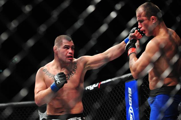Junior Dos Santos vs. Cain Velasquez: A Look at the FightMetric Numbers