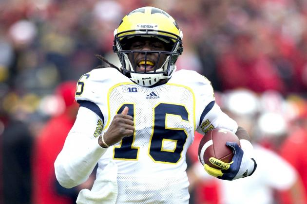 Denard Robinson Breaks Pat White's All-Time QB Rushing Yard Record