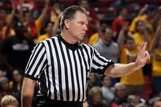 Karl Hess Admits Refs Messed Up by Not Giving UConn Two Points