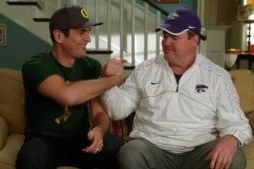 Modern Family Cast Previews Oregon vs. K-State
