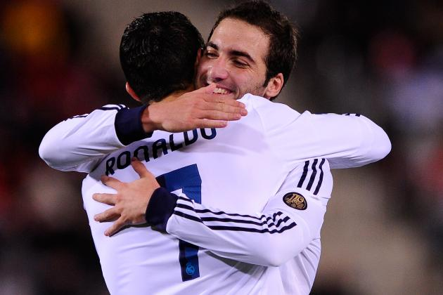 Mou Doesn't Think Higuaín and Benzema Can Play Together
