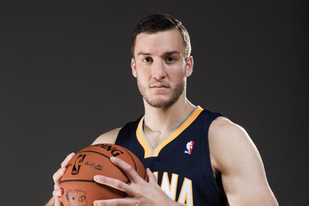 Pacers Assign Plumlee, Johnson to D-League