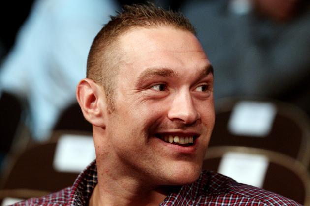 Tyson Fury Claims He'd Smash UFC 'Midget' Velasquez