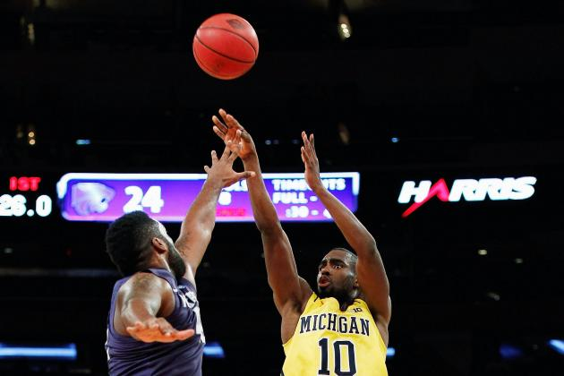 Michigan's Tim Hardaway Shows off Stroke in Return from Ankle Injury