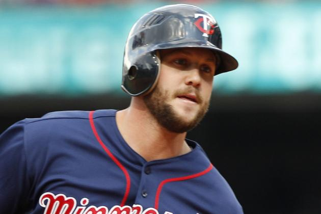 Brewers Sign Minor-League Outfielders