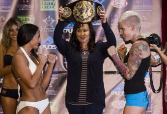 Carla Esparza (left) vs. Bec Hyatt (right). Photo Credit: Invicta FC