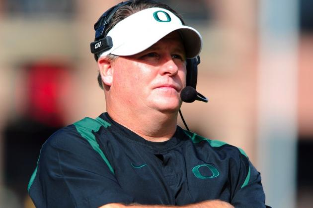 Chip Kelly Reportedly Considering Staying at Oregon