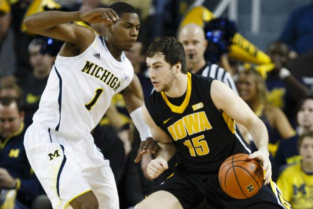 Glenn Robinson III, No. 2 Michigan Overcome First-Half Test to Blow out Iowa