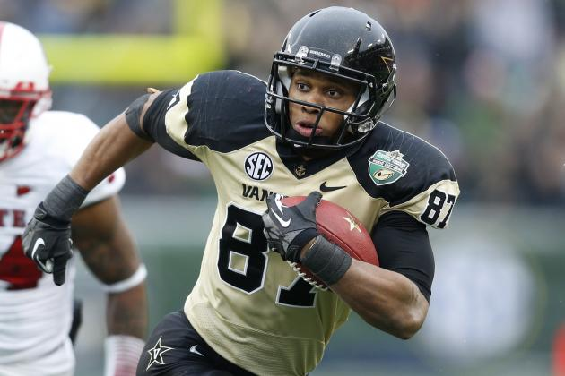 Vanderbilt WR Matthews Decides to Stay in School for Senior Year