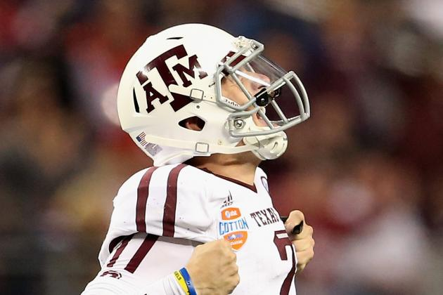 Texas A&M Football: Johnny Manziel Photographed in Club with Champagne
