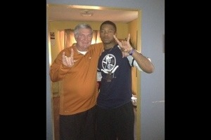 JUCO Nick Marshall Tweets Photo of Himself with Texas Coach Mack Brown