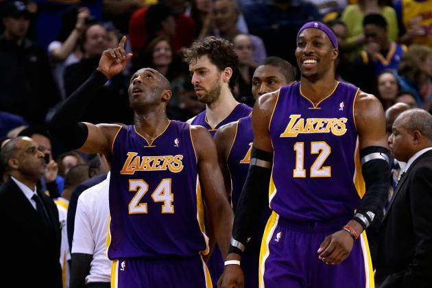 Dwight Howard's Injury Will Mount Pressure on Kobe Bryant