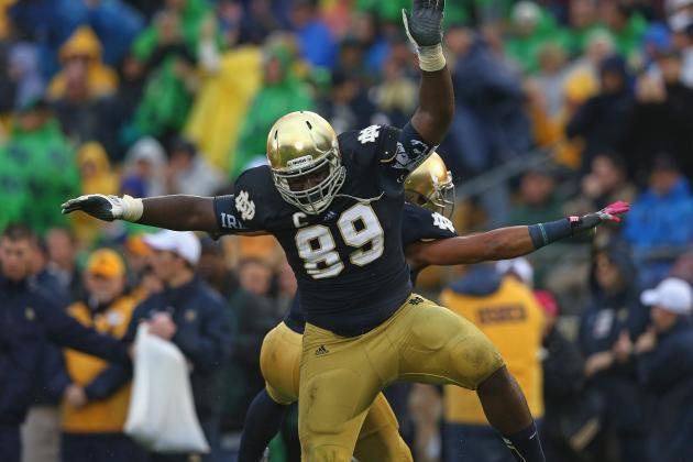 Kapron Lewis-Moore Injury: Updates on Notre Dame DE's Leg