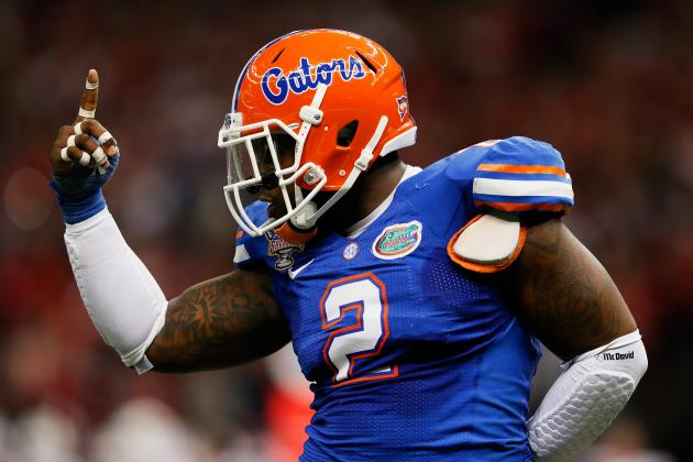 Gators DE Easley Says He Will Return for Senior Season