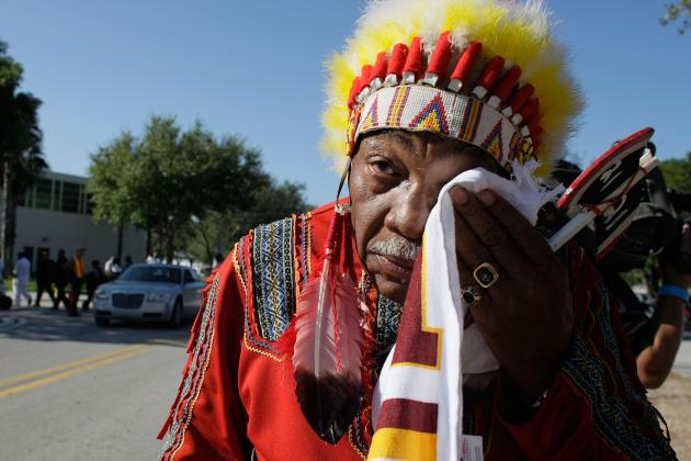 Redskins Name Change Should Be Discussed, Vincent Gray Says