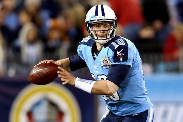 Titans Star Jake Locker Reportedly Undergoes Shoulder Surgery