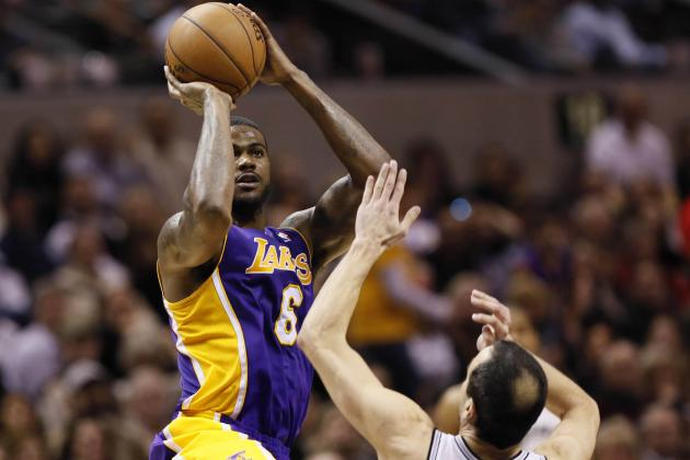 Mike D'Antoni Must Give Earl Clark Opportunity to Plug Lakers' Frontcourt Holes