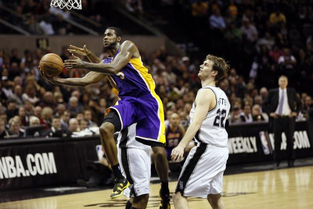 Pau Gasol's Injury Finally Gives Earl Clark a Chance to Shine
