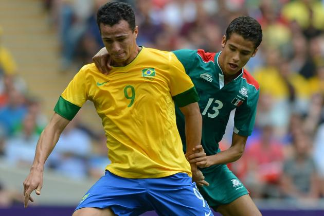 Tottenham Coach Andre Villas-Boas Plays Down Link with Brazil Striker Damiao