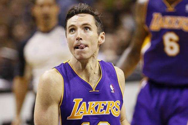 Steve Nash Is Killing the Los Angeles Lakers Defense