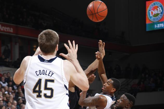 Notre Dame Basketball: Irish Passing on Success