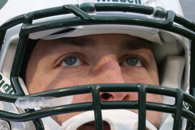 Tim Tebow: Is NY Jets QB Victim of a Double Standard?