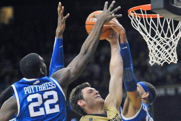Kentucky Survives SEC Opener on the Road