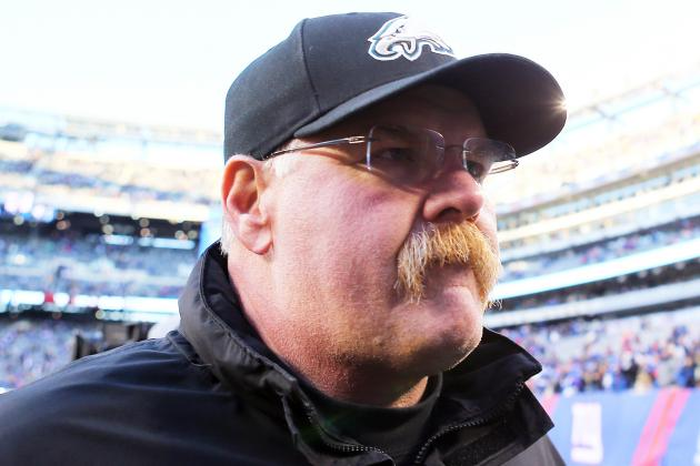 Andy Reid says Eagles need a tough coach, defends Michael Vick