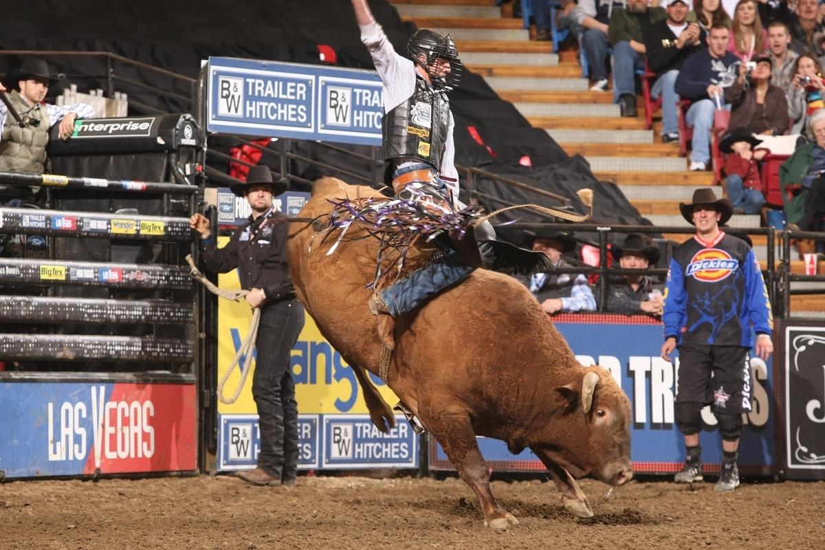 Bull - Episode Guide - TV.com