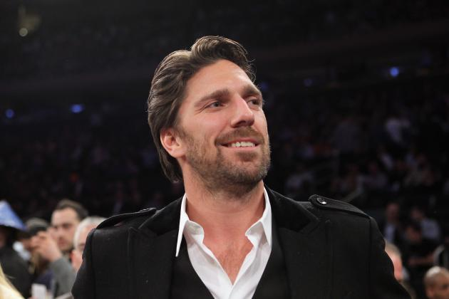 Rangers Goalie Lundqvist Favored to Win Vezina Trophy
