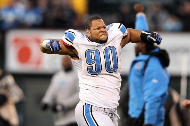Lions' Suh Agrees to $125 Fine, Point on License for Lathrup Village Ticket