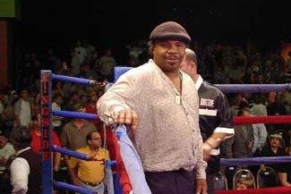 Boxing Legend Suffers Heart Attack