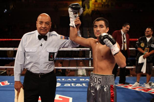 Ronny Rios Forced to Work in Win over Rico Ramos