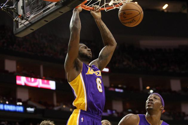 Earl Clark Needs to Step Up as Injuries Hamper Los Angeles Lakers' Frontcourt