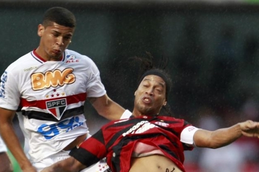 On-Loan Arsenal Midfielder Denilson Happy with the Competition at São Paulo