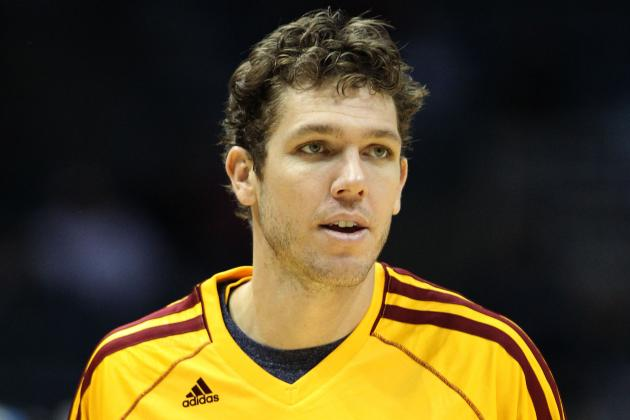 Cavs' Walton 'Dumbfounded' by Lakers' Struggles