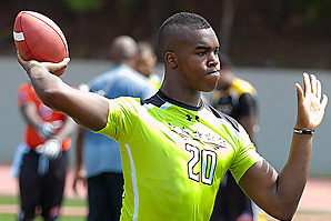 Four, Including Dual-Threat Quarterback Tyrone Swoopes, Enroll Early at Texas