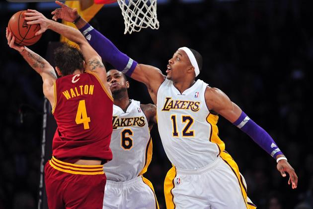 Dwight Howard Embracing Defensive Anchor Role Key to LA Lakers' Turnaround