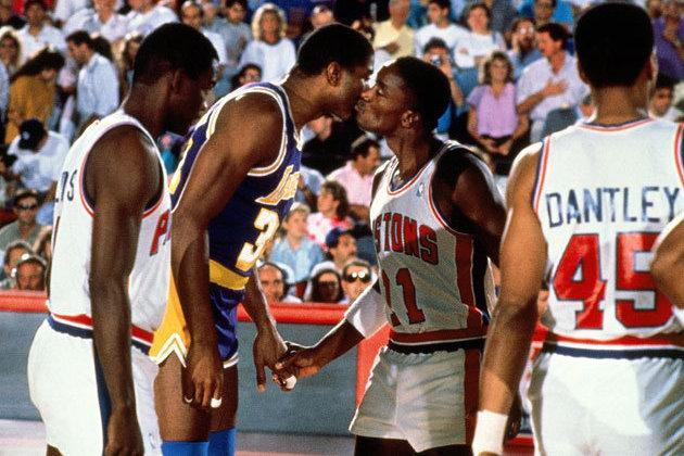 Magic Reconciles with Isiah, Tweets That He's 'Glad We Can Be Friends Again'