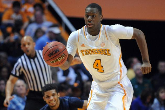 UT Freshman Armani Moore Working to Increase Role