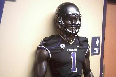 PHOTO: Washington Huskies Getting New Matte Black Helmets?