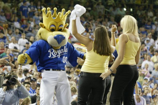 Flying Hot Dog Lands Royals' Mascot Back in Court