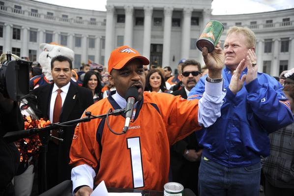 Denver Mayor Injured Warming Up for Ray Lewis Dance, Mayors Nationwide Cringe