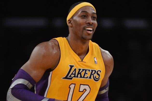 Kobe, Howard Score 31 Each as Lakers Romp