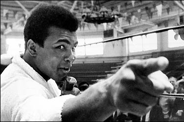 Muhammad Ali, Boxing Legend Celebrates His 71st Birthday Today!