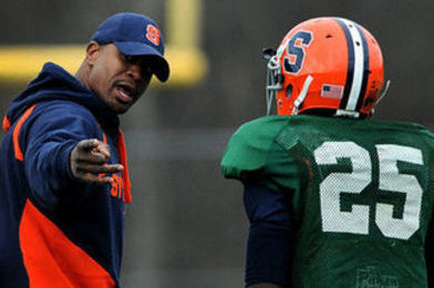 Syracuse Football Assistants Rob Moore, Tim Daoust to Stay with Orange Staff