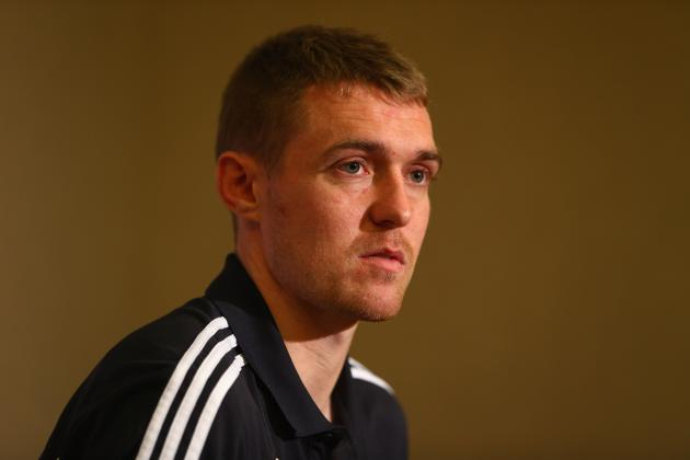 Manchester United Midfielder Darren Fletcher out for Season After Bowel Surgery
