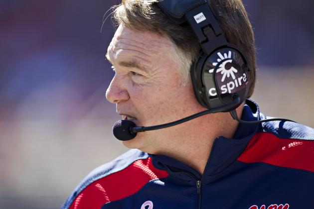 Cowboys Meet with Houston Nutt